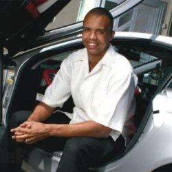 На каких автомобилях ездят самые известные игроки в покер?
